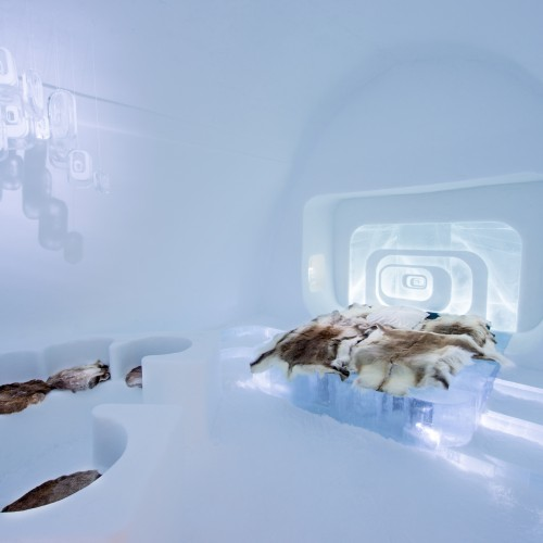 ICEHOTEL SWEDEN 2016 ART SUITE Love Capsule design by Luc Voisin (France) Mathieu Brison (France)