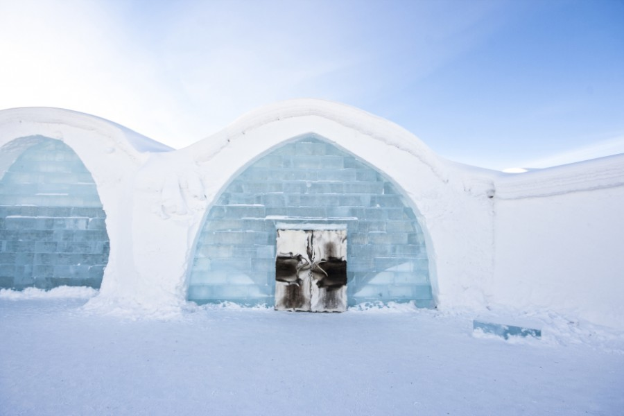 small_ICEHOTEL2_-_Photo_Martin_Smedsen_edit