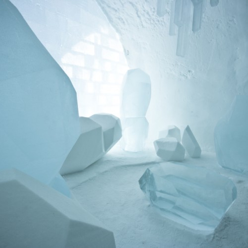 small_ICEHOTEL_Main_Hall_by_Marjolein_Vonk__marinus_Vroom___Jens_Thoms_Ivarsson_-_Photo_Martin_Smedsen