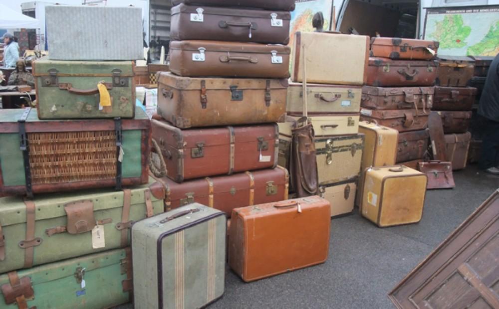 vintage_suitcases