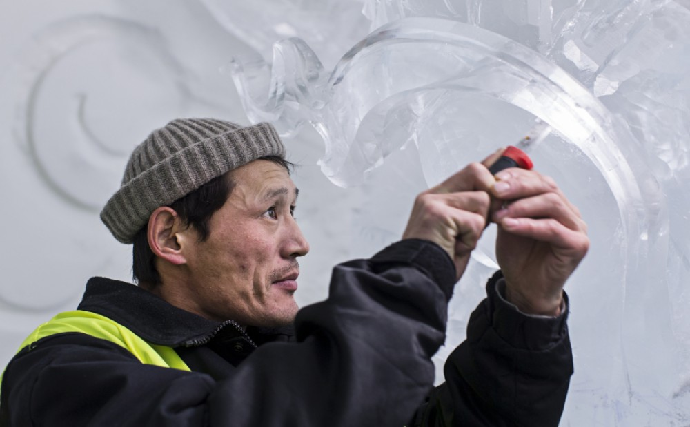 Building the ICEHOTEL