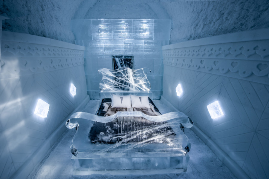 small_Icehotel_365_Art_Suite_Raindrop_prelude