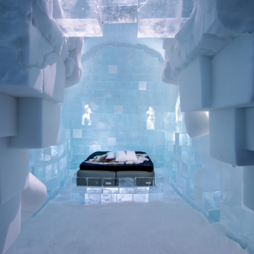 small_icehotel-365-out_of_the_box